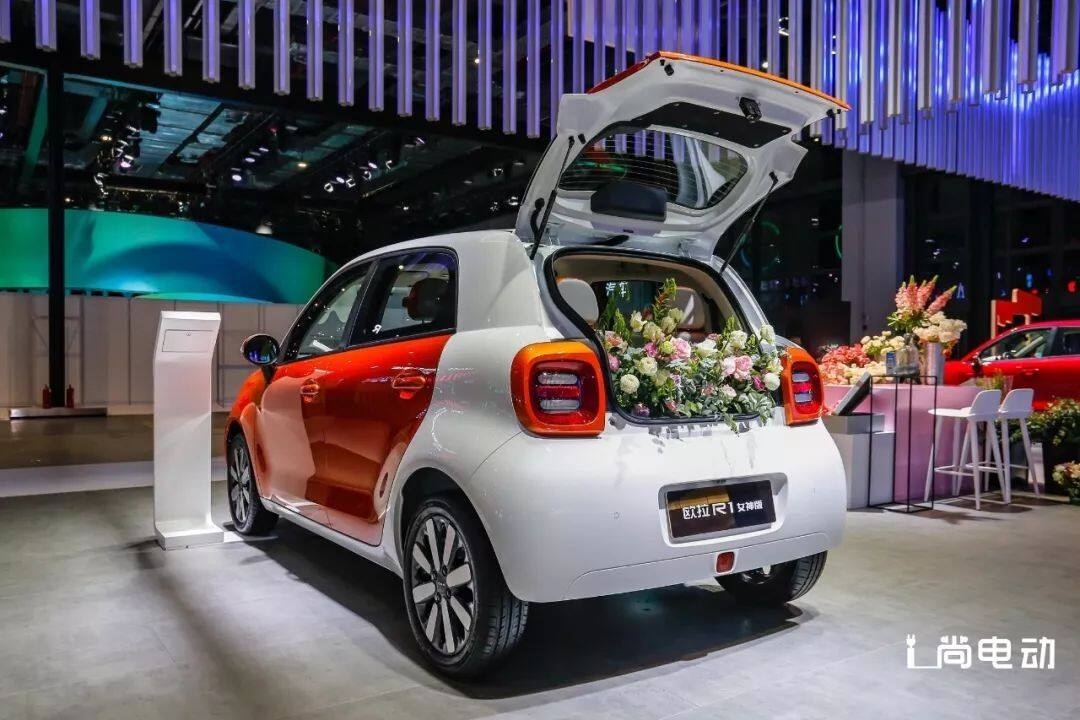 黑科技加持,欧拉R1引领电动小车自动驾驶时代