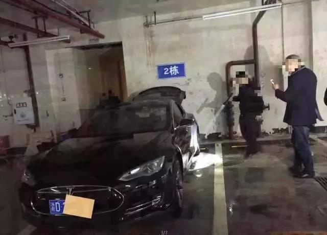 香港特斯拉离奇自燃,深圳发改委通报电动物流车起火调...
