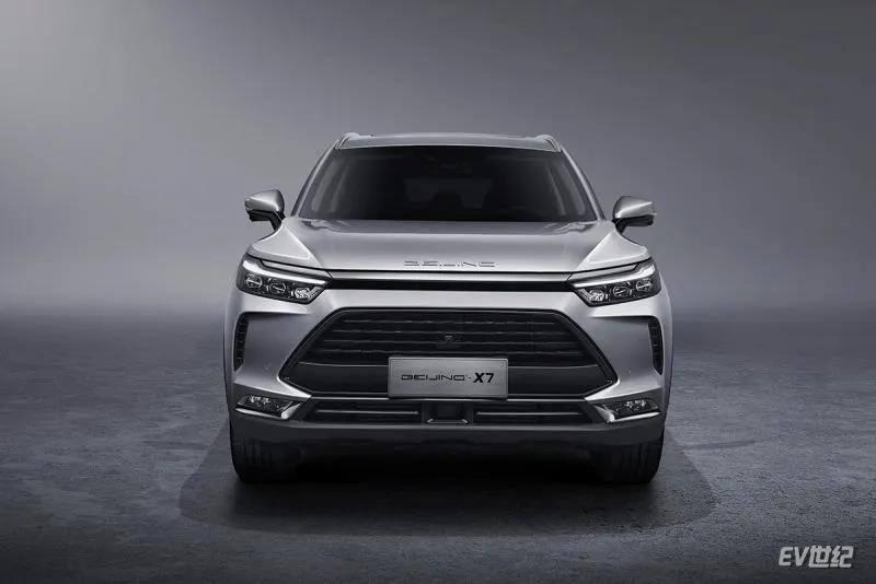 BEIJING-X7预售10.00万-15.00万元 旗舰车型助力BEIJING汽车品牌向上