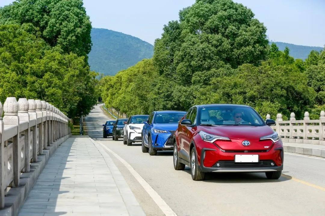 什么是最有效普及EV的方法?试过丰田的三款EV就知道了