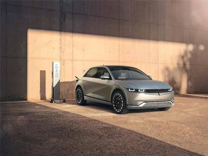 现代汽车IONIQ 5首秀:全新设计理念/超大空间/强大性能